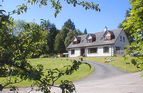 4 Star Loch Ness Bed and Breakfast Accommodation Guest House in Fort Augustus near Inverness and Fort William